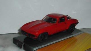 Letty´s Chevrolet Corvette Stingray 1966 , escala 1/32 , colección