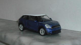 Mini Cooper S Paceman ,escala 1/43 de Welly .
