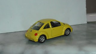 Volkswagen New Beetle , escala 1/60 de la marca Welly .