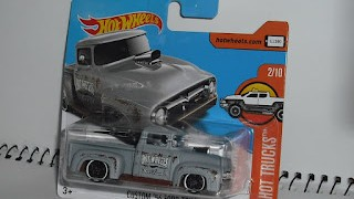 Ford Truck de 1956 , escala 1/64 de Hot Wheels .
