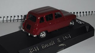 Renault 4L , color marrón , escala 1/43 de Solido .
