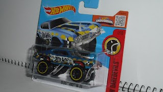 Oldsmobile 442 W 30 , escala 1/64 , ruedas grandes de Hot Wheels