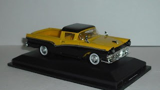 Ford Ranchero 1957 , escala 1/43 de Road Signature .
