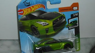 2017 Nissan GT-R (R35) - Guaczilla de T FOX , escala 1/64 de Hot Wheels .