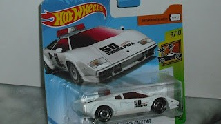 Lamborghini Countach Pace Car , escala 1/64 de Hot Wheels .