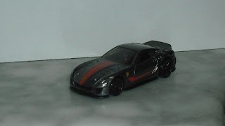 Ferrari 599XX , escala 1/64 de Hot Wheels .