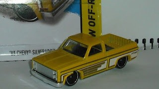 Chevrolet Silverado de 1983 , escala 1/64 de Hot Wheels .