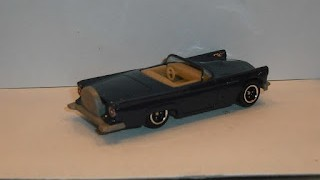 Ford Thunderbird 1957 , escala 1/64 de Matchbox .