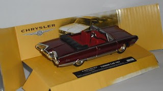 Chrysler Turbine Car de 1964 , escala 1/43 de la marca New Ray .