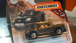 Chevy Chevrolet Colorado Xtreme de 2016  , escala 1/64 , de Matchbox .