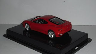 Ferrari 360 Modena , escala 1/43 de Hot Wheels .