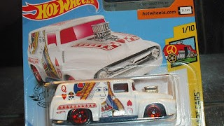 Ford F100 de 1956 , escala 1/64 , Reina de Corazones de Hot Wheels .