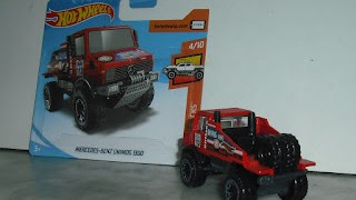 Mercedes Benz Unimog 1300 , escala 1/64 , de Hot Wheels .