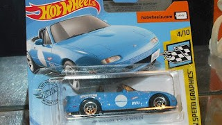 Mazda MX-5 Miata de 1991 , escala 1/64 de Hot Wheels .