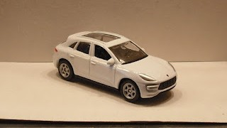 Porsche Macan , escala 1/60 de Welly .