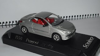 Peugeot 206 cc Hard Top , escala 1/43 de la marca Solido .