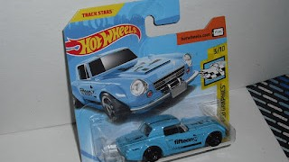 Fairlady 2000 Fifteen , Color Azul , escala 1/64 de Hot Wheels .