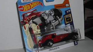Coche de Cruella de Ville , escala 1/64 de Hot Wheels .