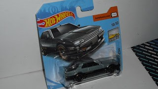 Nissan Skyline R 30 , Color Gris , escala 1/64 de Hot Wheels .