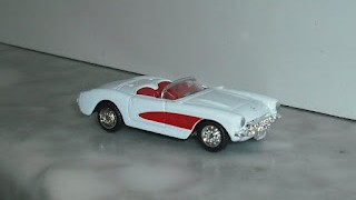 Chevrolet Corvette 1957 , escala 1/60 de Welly .