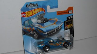 Chevrolet Corvette 1968 , Gas Monkey Garage , color azul con llamas , escala 1/64 de Hot Wheels .