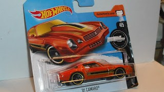 Chevrolet Camaro 1981 , color Naranja , escala 1/64 de Hot Wheels .