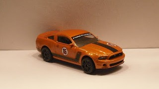 Ford Mustang Boss , racing, escala 1/61 de Majorette .