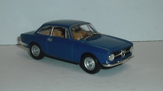 Alfa Romeo 1300 Junior Coupé , escala 1/43 de Solido .