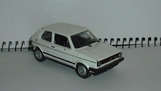 Volkswagen Golf , escala 1/43 , de Solido .