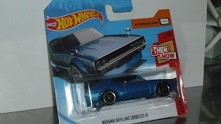 Nissan Skyline 2000 GT-R , escala 1/64 de Hot Wheels .