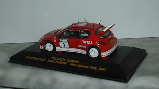 Peugeot 206 WRC , escala 1/43 , M Gronholm - T Rautiainen , Rally New Zealand 2003 , de la colcción Rally Car .