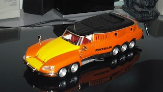 Citroen DS Michelin Mille Pattes , 1000 Patas , escala 1/43 , de IXO Altaya .