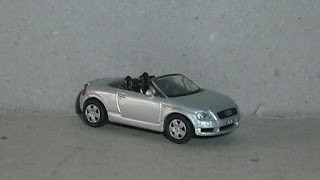 Audi TT Roadster año 2000 , escala 1/87 , de la marca High Speed .