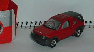 Land Rover Freelander , escala 1/60 , de Welly .